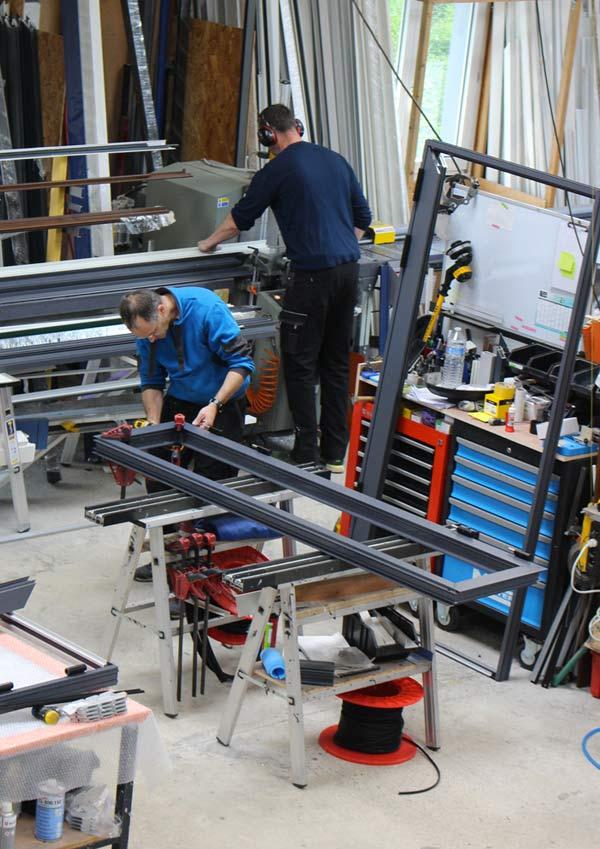AUFFRET LENNON MENUISERIE à Edern dans le Finistère : Fabricant sur mesure, concepteur et installateur de menuiseries alu et pvc : fenêtres, portes d'entrée, coulissants ...